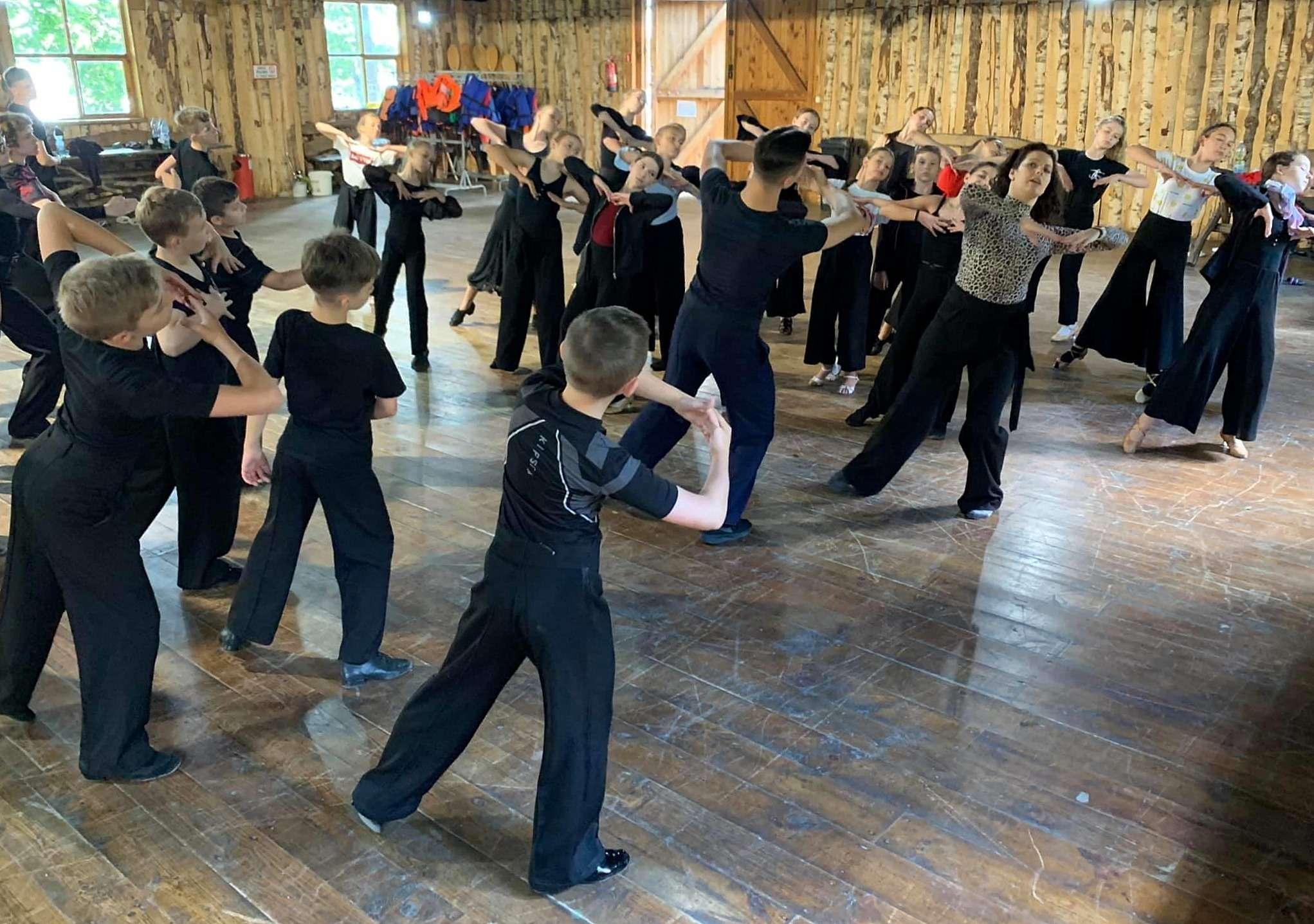 Taneczny obóz Jantara